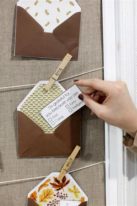Give Thanks with These DIY Gratitude Notes and Envelopes