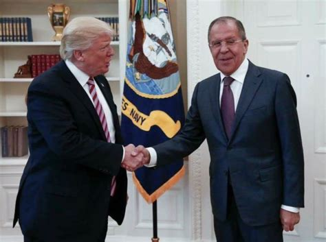 """Russian Oval Office Pix: Team Trump Done in by """"Dual"""