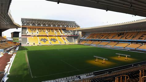 Wolverhampton Wanderers vs Fulham at Molineux on 04/10/20