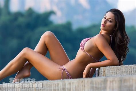 Sports Illustrated 2013 Swimsuit Model Jessica Gomes
